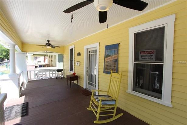 Single Family Residence, Bungalow - TAMPA, FL (photo 2)