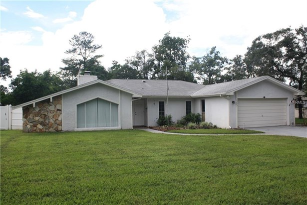 Single Family Residence, Traditional - SPRING HILL, FL (photo 1)
