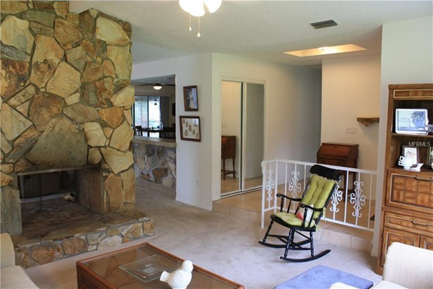 Single Family Residence, Traditional - SPRING HILL, FL (photo 4)