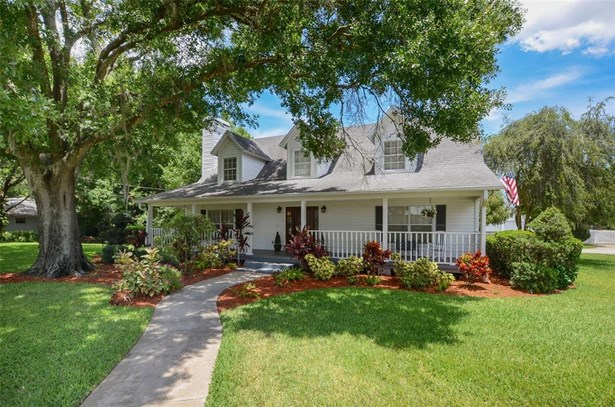 Single Family Residence, Colonial - PLANT CITY, FL