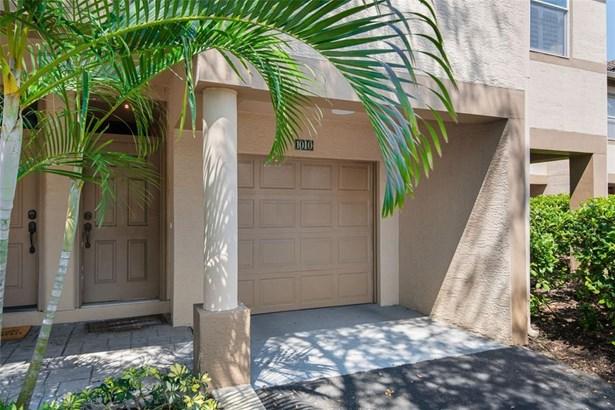 Condominium, Traditional - TAMPA, FL