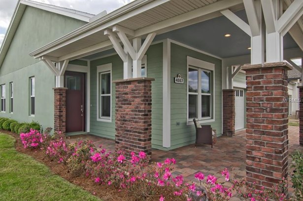 Single Family Residence, Craftsman - OXFORD, FL (photo 3)