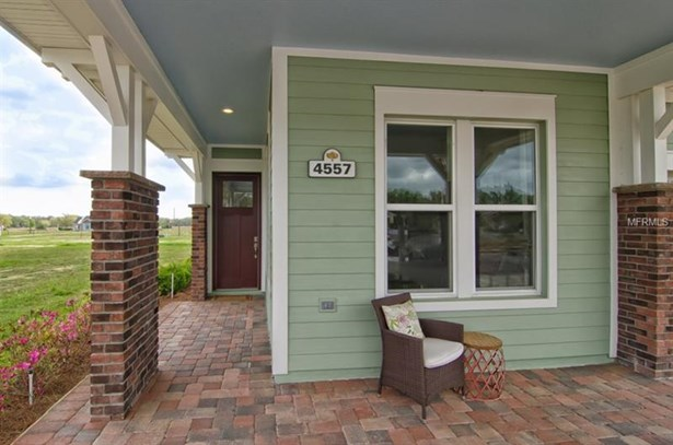 Single Family Residence, Craftsman - OXFORD, FL (photo 4)