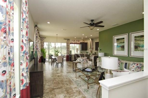 Single Family Residence, Craftsman - OXFORD, FL (photo 5)