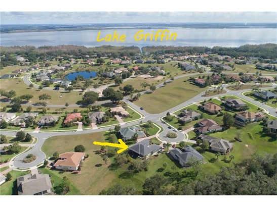 Single Family Home, French Provincial - LADY LAKE, FL (photo 3)