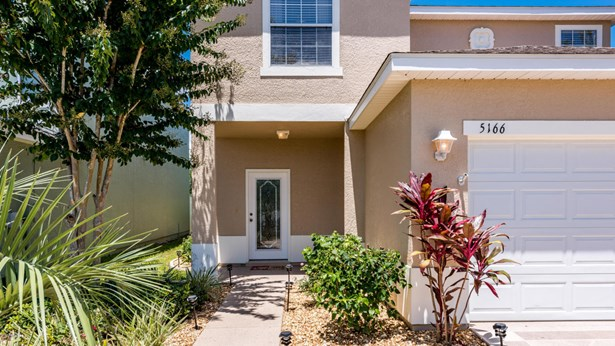 Single Family Residence - Oxford, FL (photo 5)
