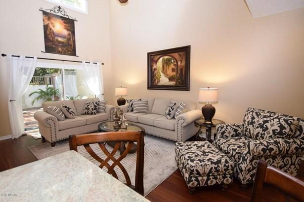 Condominium - Lady Lake, FL (photo 3)