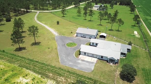 Single Family Acreage - Morriston, FL