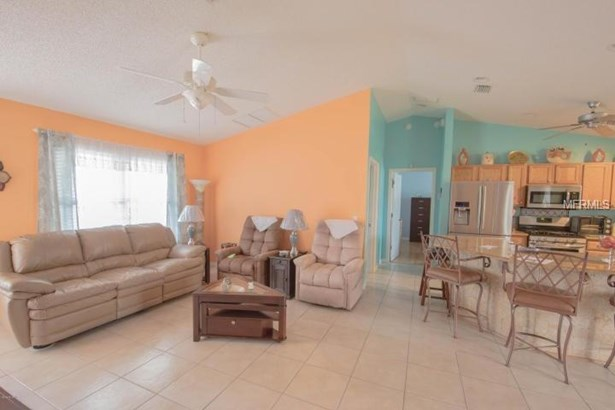Single Family Home, Ranch - THE VILLAGES, FL (photo 3)