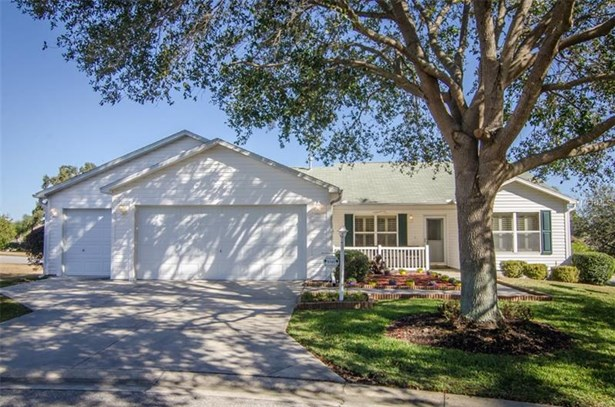 Single Family Home, Traditional - THE VILLAGES, FL (photo 1)
