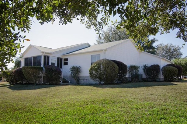 Single Family Home, Traditional - THE VILLAGES, FL (photo 4)