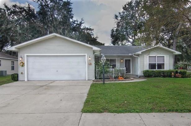 Single Family Home, Traditional - LADY LAKE, FL (photo 1)