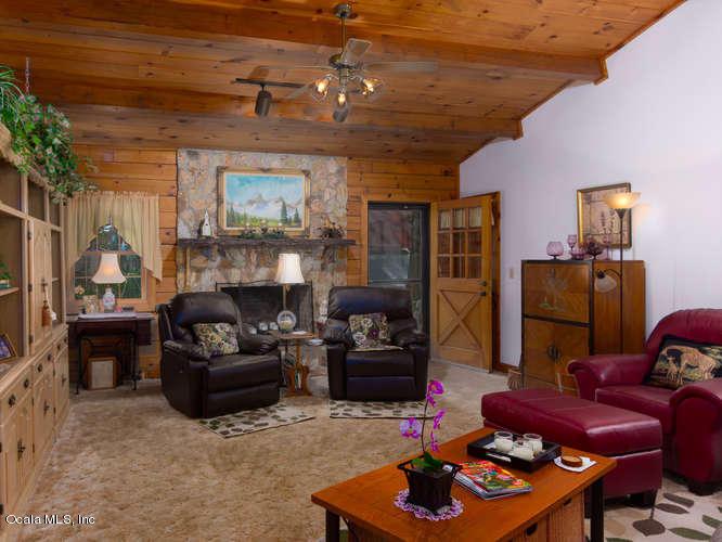 Single Family Residence - Silver Springs, FL (photo 3)