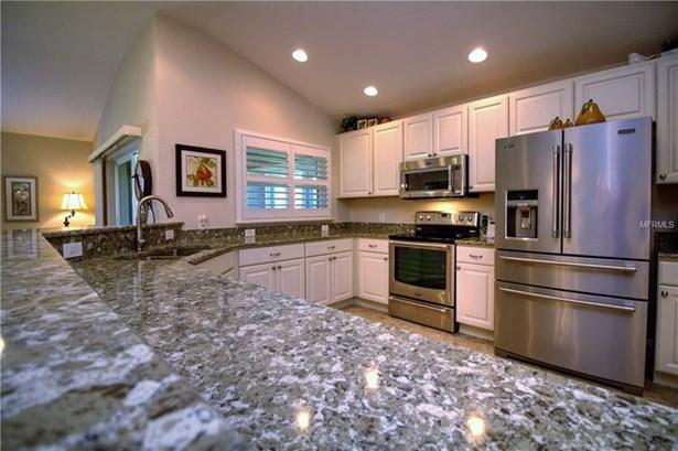 Single Family Home, Spanish/Mediterranean - OXFORD, FL (photo 2)