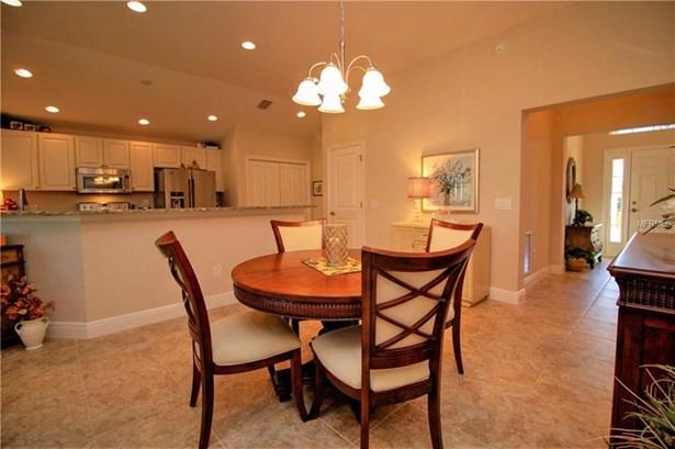 Single Family Home, Spanish/Mediterranean - OXFORD, FL (photo 3)