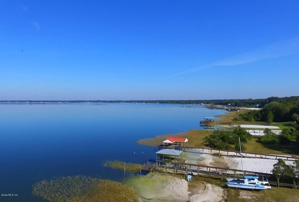Single Family Waterfront - Weirsdale, FL (photo 3)