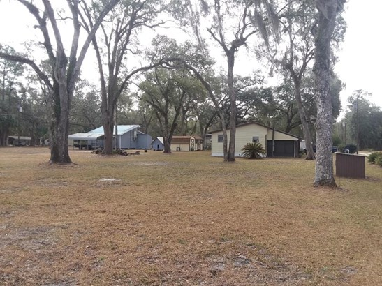 Manufactured Home w/Real Prop - Fort McCoy, FL (photo 1)