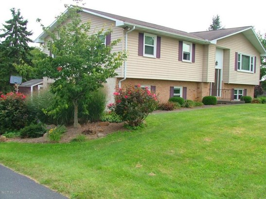 127 Graylyn Crest Dr, New Columbia, PA - USA (photo 2)