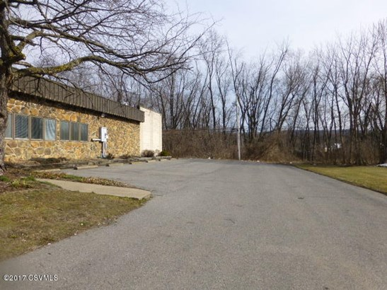 1420 N Susquehanna Trail, Selinsgrove, PA - USA (photo 2)