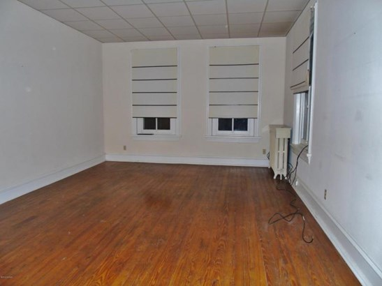 Hardwood floors! (photo 2)