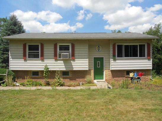 49 Hayes Rd, Nescopeck, PA - USA (photo 1)