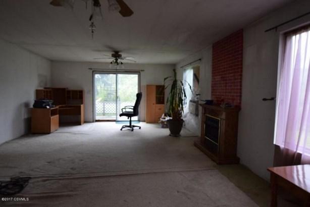 161 W Barton Ave, Elysburg, PA - USA (photo 5)