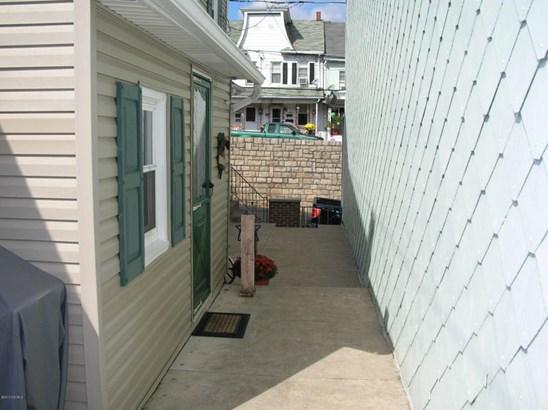 938 W Pine St, Shamokin, PA - USA (photo 5)