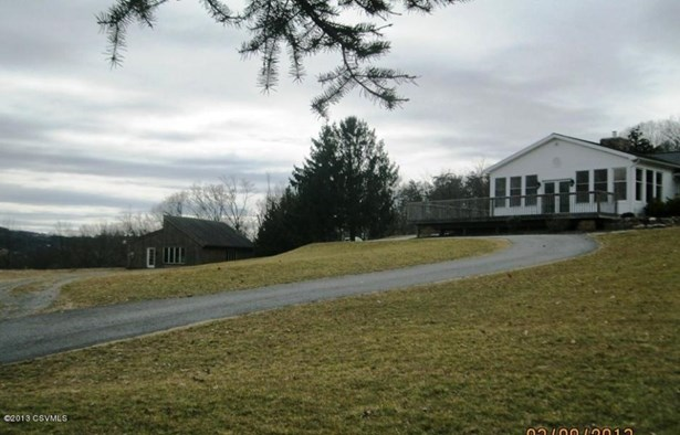 425 Groover Dr, Winfield, PA - USA (photo 2)