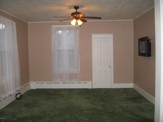 Coat Closet (photo 4)