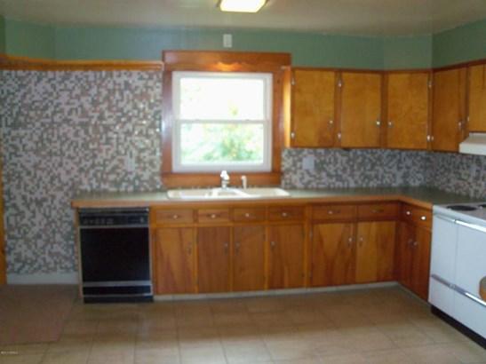 dishwasher and nice tile work (photo 4)