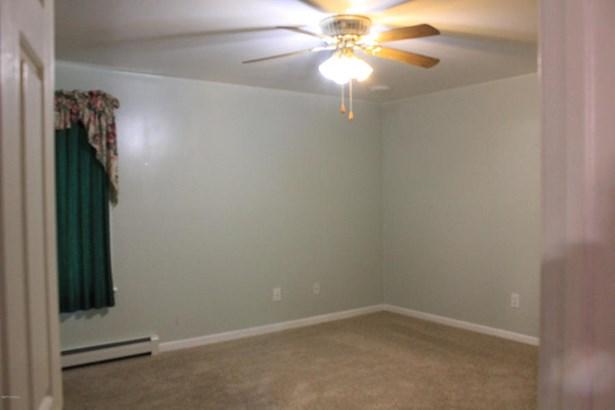 Bedroom #2 (photo 5)
