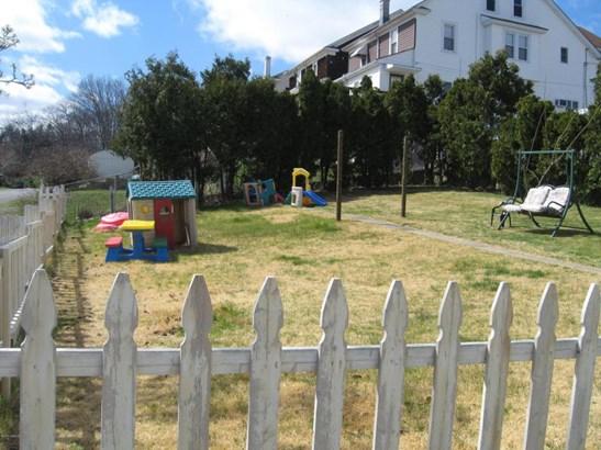 500 Woodlawn Ave, Coal Township, PA - USA (photo 5)
