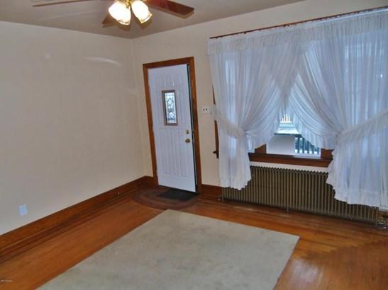 hardwood floors (photo 2)