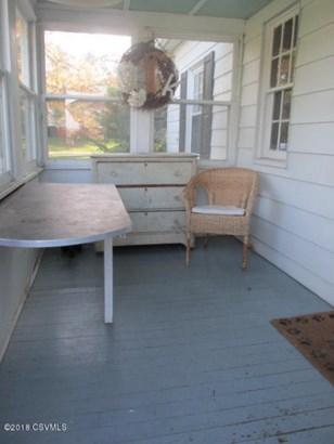 rear enclosed porch (photo 5)