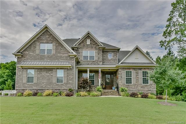 Transitional, 2 Story - Clover, SC (photo 1)