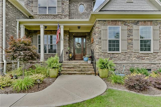 Transitional, 2 Story - Clover, SC (photo 2)