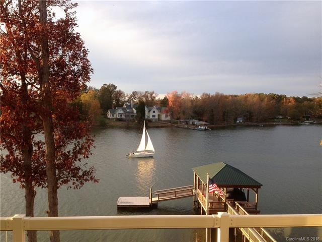 1.5 Story/Basement, Traditional - Charlotte, NC (photo 1)