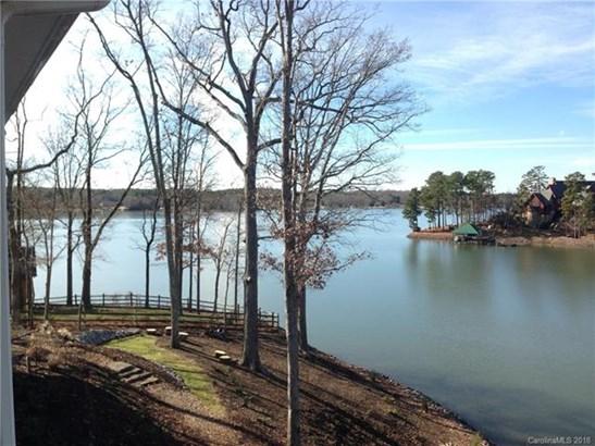 1.5 Story/Basement, Traditional - Charlotte, NC (photo 3)