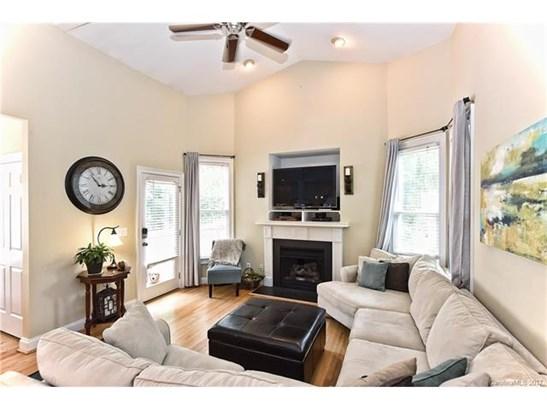 Cottage/Bungalow, 2 Story - Charlotte, NC (photo 4)
