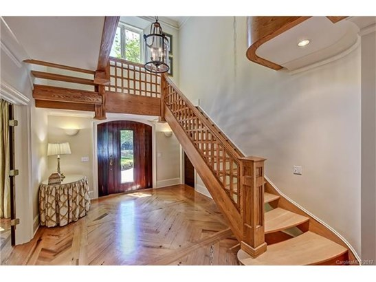 Tudor, 2 Story/Basement - Charlotte, NC (photo 2)