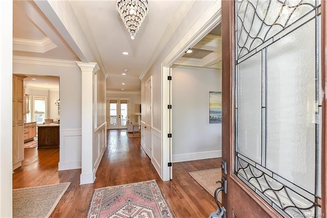 Arts and Crafts,Traditional, 2 Story - Charlotte, NC (photo 2)