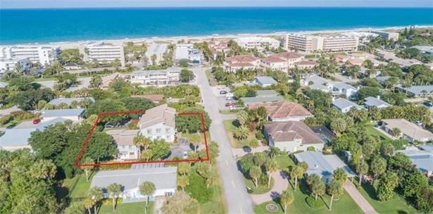 Attached Home - Vero Beach, FL