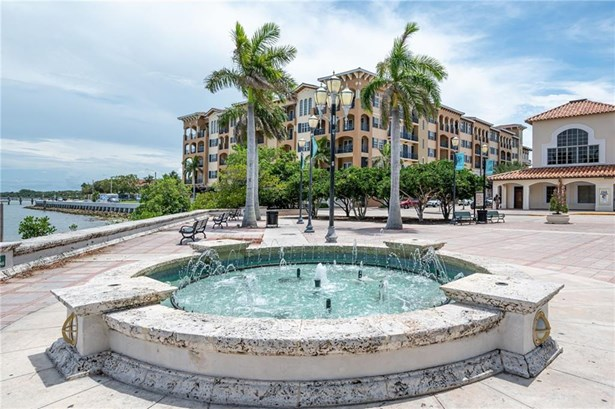 Attached Home - Fort Pierce, FL