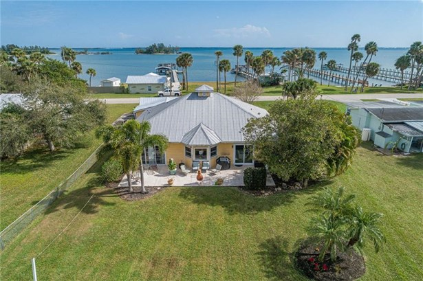 Detached Home - Sebastian, FL