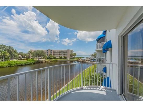 Attached Home - Sebastian, FL (photo 3)