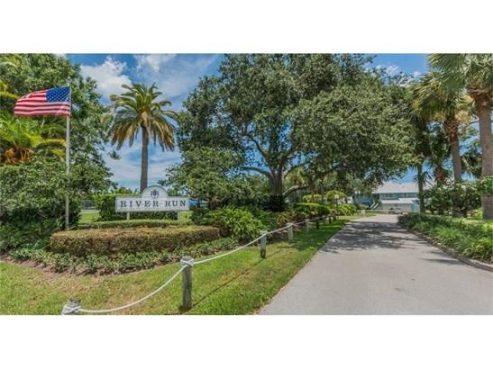 Attached Home - Sebastian, FL (photo 5)