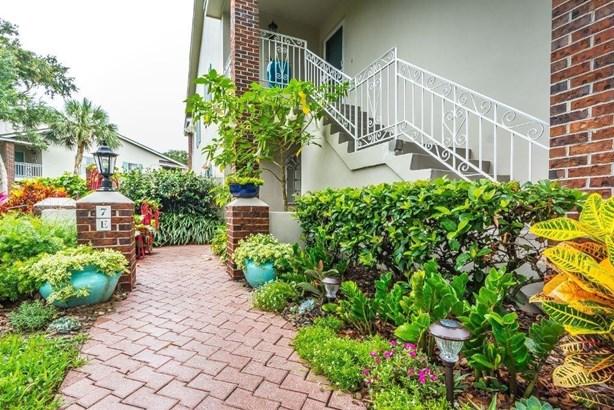 Attached Home,Corner - Indian River Shores, FL