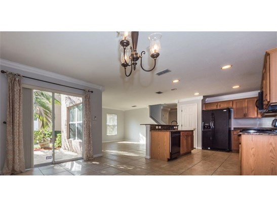 Attached Home,Corner - Vero Beach, FL (photo 5)