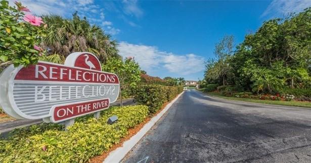 Attached Home - Sebastian, FL (photo 1)