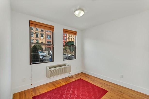 120 Pulaski Street 1a, Brooklyn, NY - USA (photo 2)